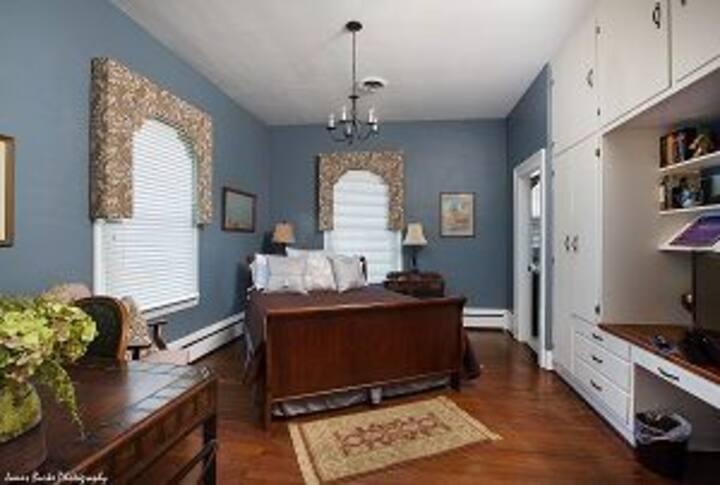 Iris - Private room at The Ashford Inn