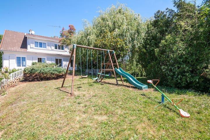 Quaint Holiday Home in Thiéblemont-Farémont with Garden