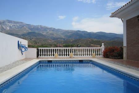 Casa Florida - Vélez-Málaga