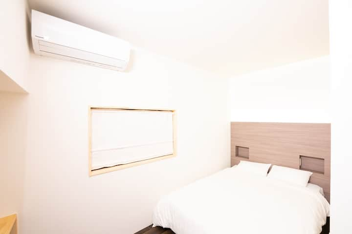 Budget Double Room MR12, 3 minutes from JR MIKAWA.