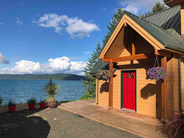 Hood Canal Waterfront Beach House