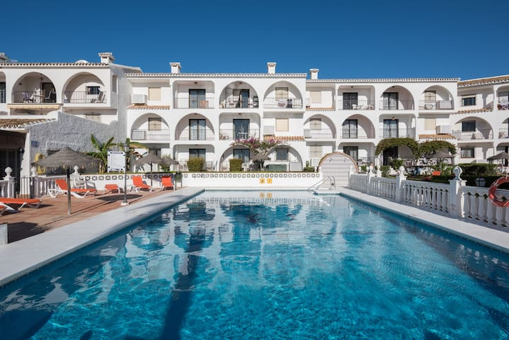 Elegant apartment great for Beach & Golf, 2BR 2BA