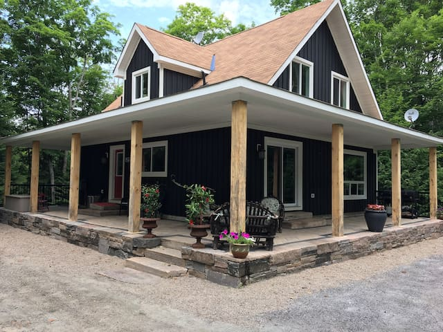The Chic Chalet Haliburton