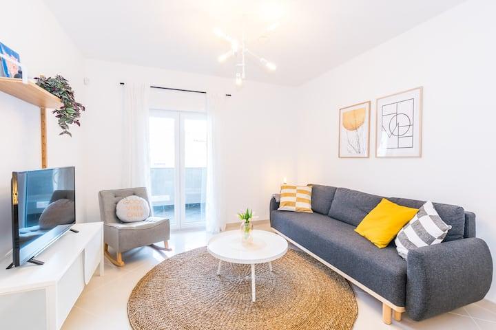 NEW apartment POMALO - free  wi fi & parking