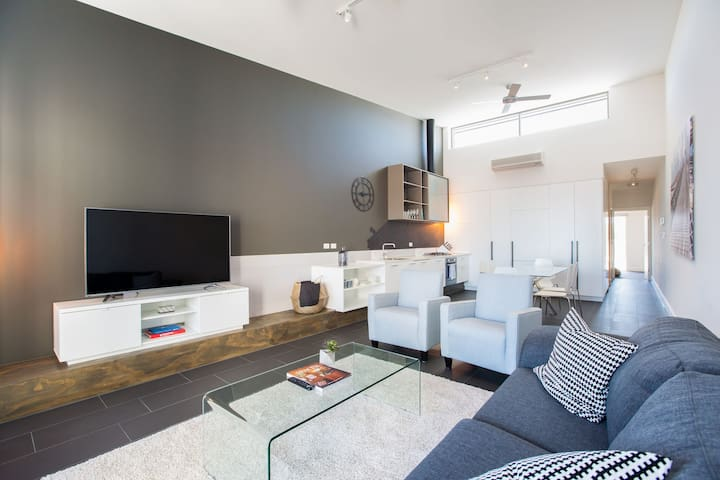 Magnificent Apartment + FREE parking near Adelaide - Bowden - Apartamento