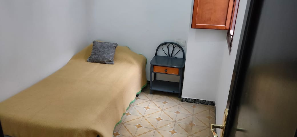 Habitaciones priv. en apart. compartido en Alcoy