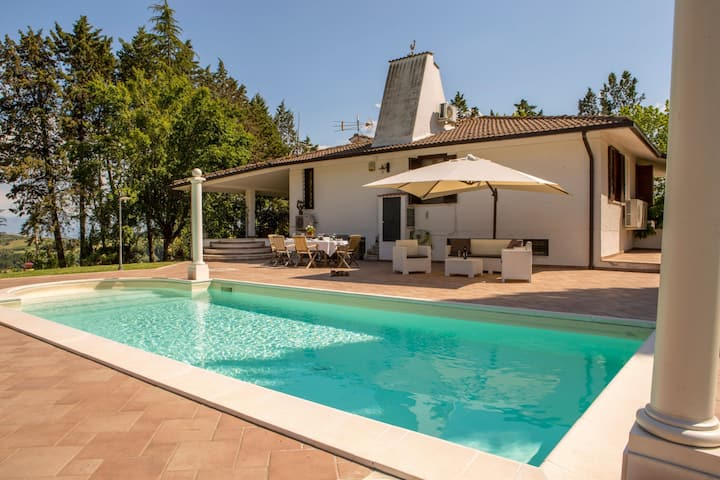 Villa Gemma, is the ideal place to escape from the noise and stress of the city