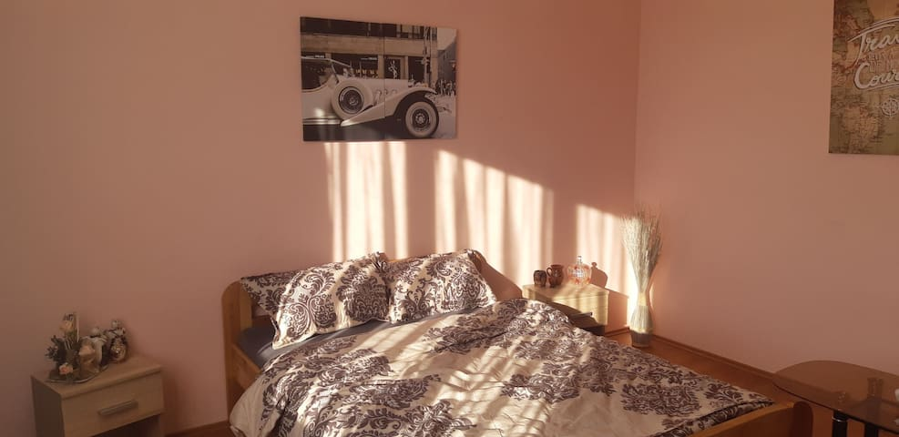 Lovely bedroom in Negresti-Oas area