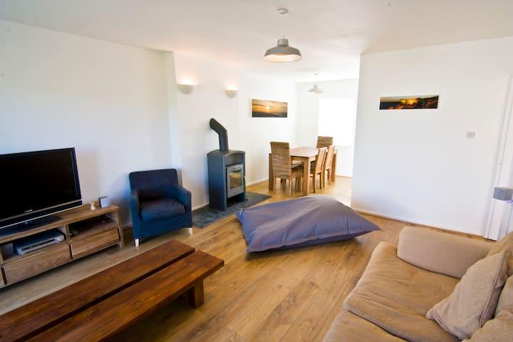 Stunning Cottage in location nr Morfa Nefyn beach. - Gwynedd - Bungalow
