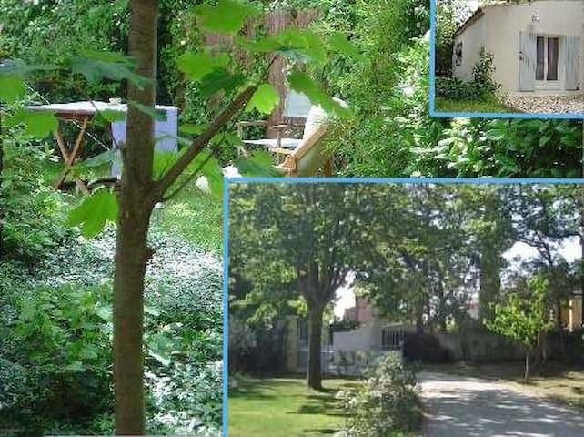 Studio à Eguilles, 8 Km d'Aix en Provence
