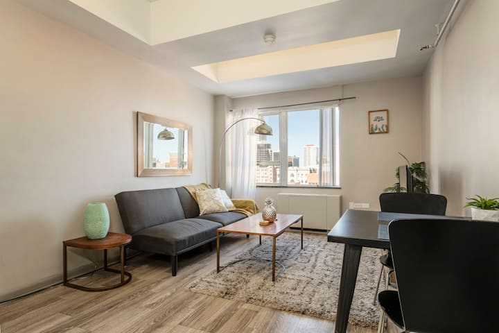 TWO Bright Sunny Apartment on 3rd Street CozySuites