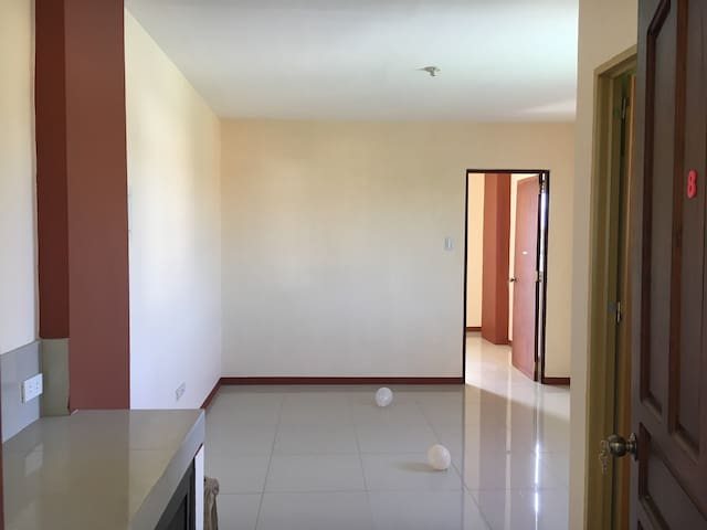 1-BR flat, short- or long-term [#1] - Calapan - Daire