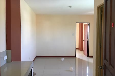 1-BR flat, short- or long-term [#1] - Calapan - Appartement
