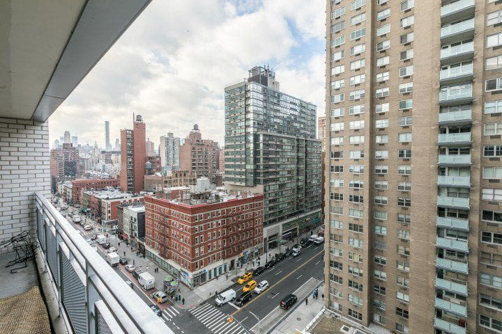 2-BEDROOM APARTMENT AT UPPER EAST MANHATTAN NYC