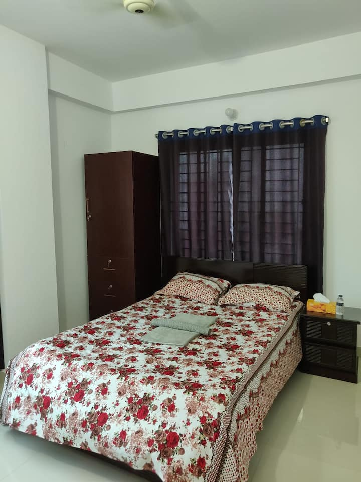 THE BLU INN SIMPLE STAY@ BASHUNDHARA R/A, DHAKA