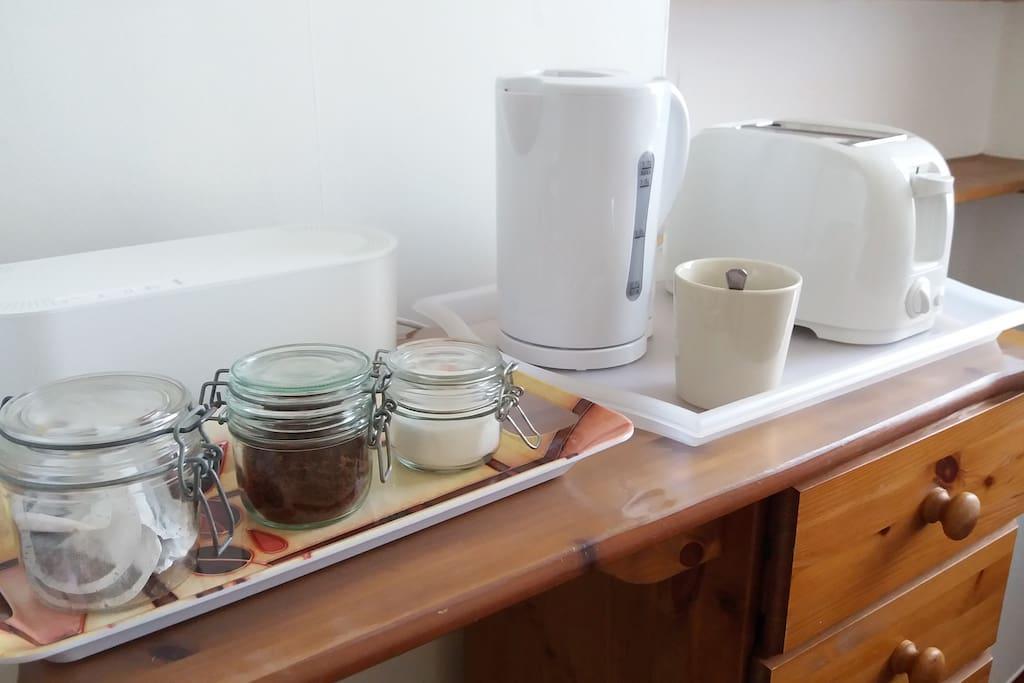 Tea making and toaster