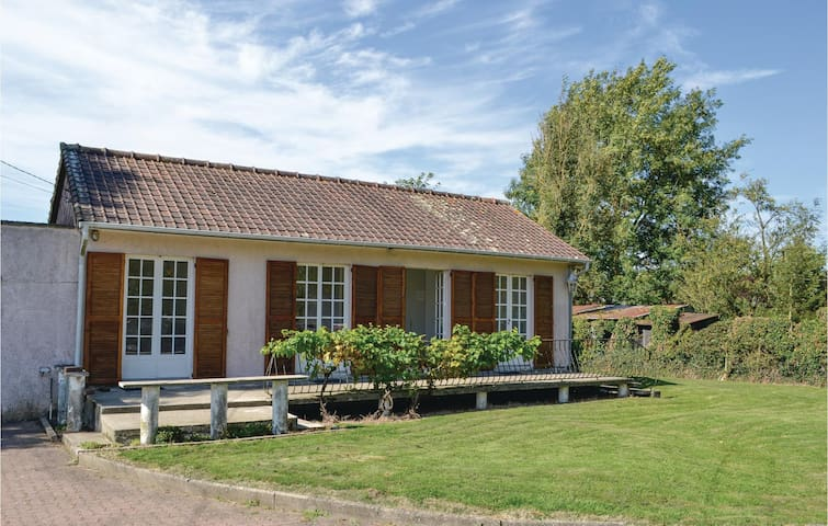 Holiday cottage with 1 bedroom on 71 m² in Quoeux Heut Mainil