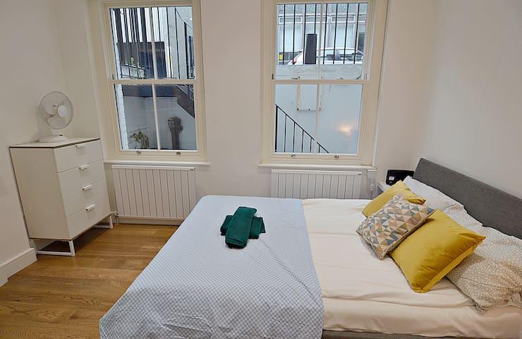 UNBEATABLE 2 Bedroom Flat for 4 near BAKER STREET