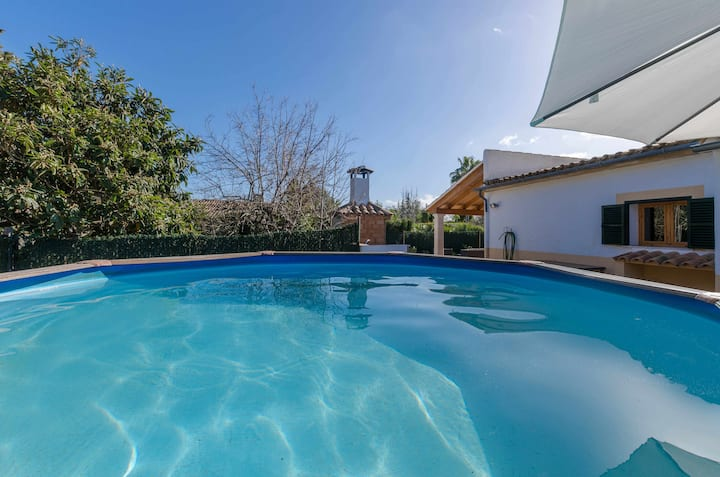 YourHouse La Suerte, finca in Binissalem with private pool for 6 people