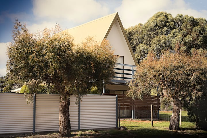 Seagrass Chalet A-Frame in Freycinet
