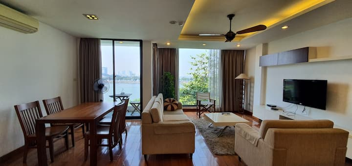 Apt 2BR Central in Ba Dinh/ Truc Bach Lake View
