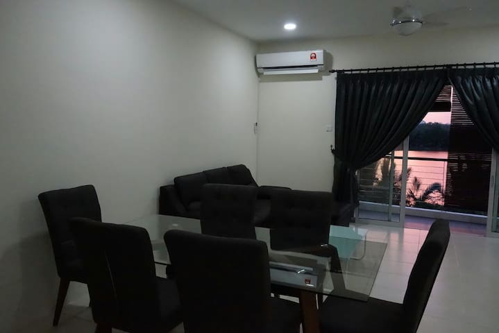 Tranquil riverside apartment - Kota Samarahan - Lejlighed