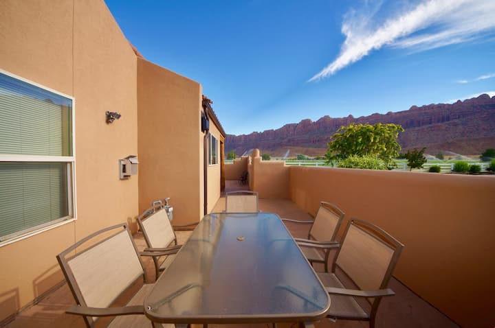 Mountain Paradise ~ G3, Great Views from the Oversized Patio at this Corner Rim Village Unit - Mountain Paradise ~ G3