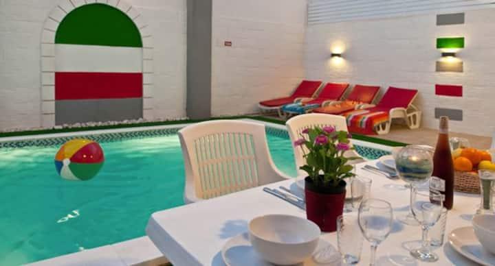 Villa Sunset 6 bedroom & pool, close to the beach