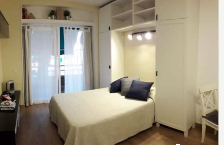 Cozy studio near to the beach with swimming pool!