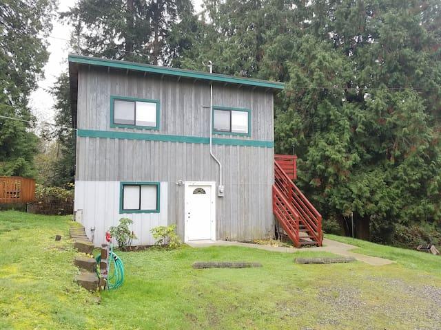 Spacious Two Floor House in Renton of Washington