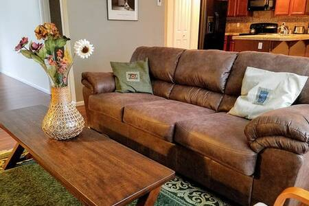 Cozy Home for Family and Biz Travelers Near SEATAC - Auburn - Dom