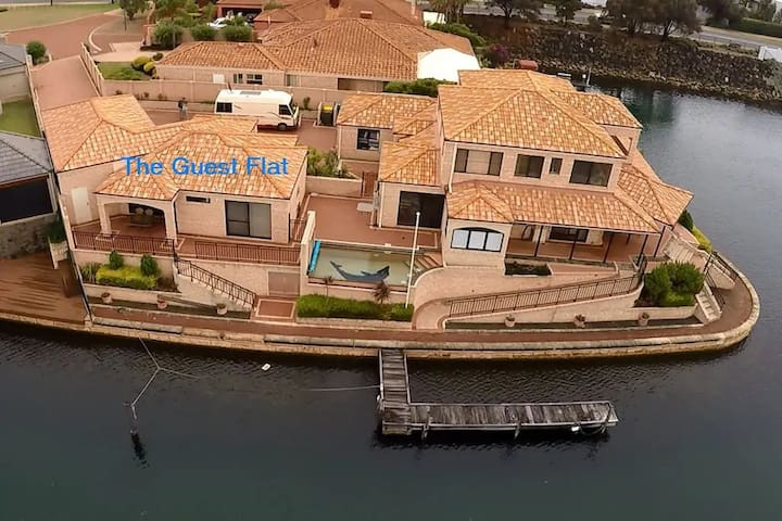 Villa Aqua - Canal Unit with Pool, Jetty & Views