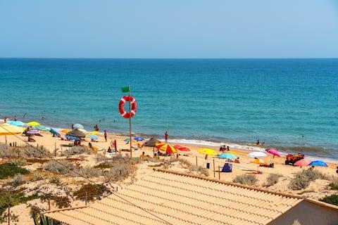 Lagunya Room!Pure Beach Time,Sea only 2 steps away
