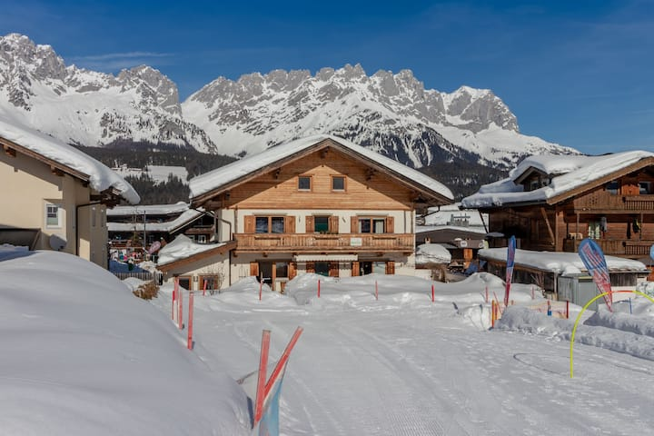 Unique chalet in the center of Elmau, 100 m from the skilift