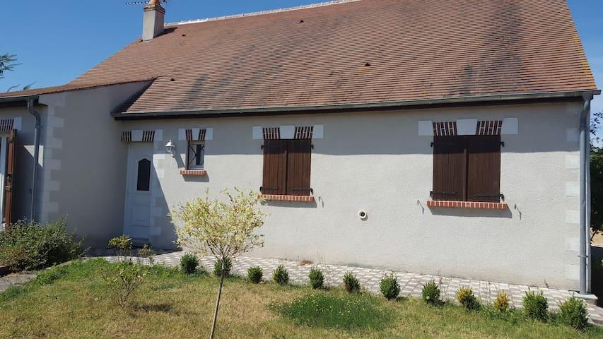 JOLIE MAISON PROCHE DE CHAMBORD - Muides-sur-Loire - Casa