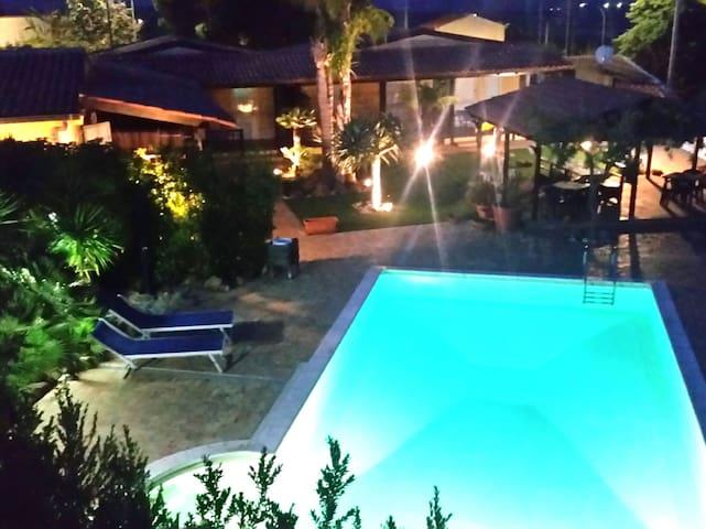Giove Apartment | Oasi del Borgo - Borgo Bonsignore - Leilighet