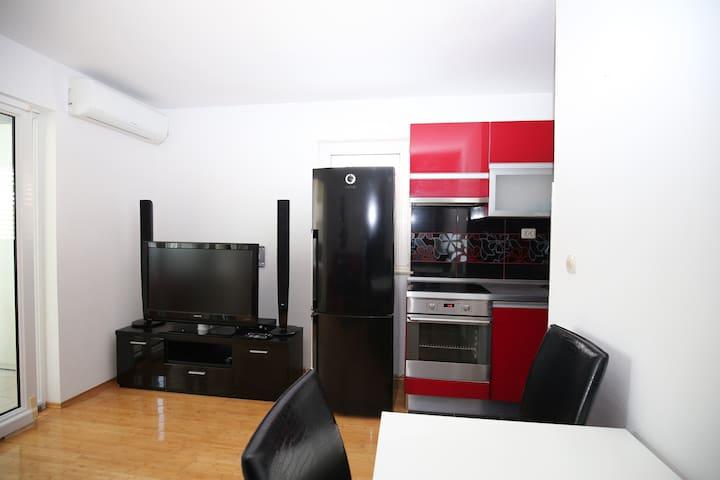 Apartment Kaštel novi 2 persons