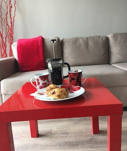 Contemporary Studio ( includes Breakfast!