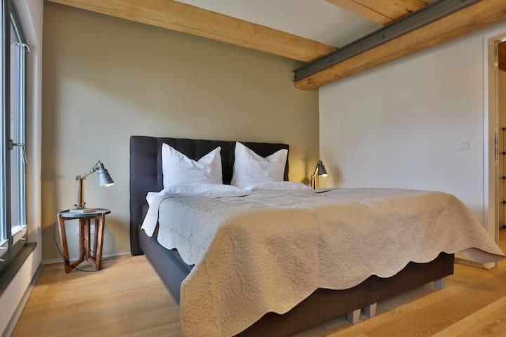 Masterbedroom mit En Suite-Bad
