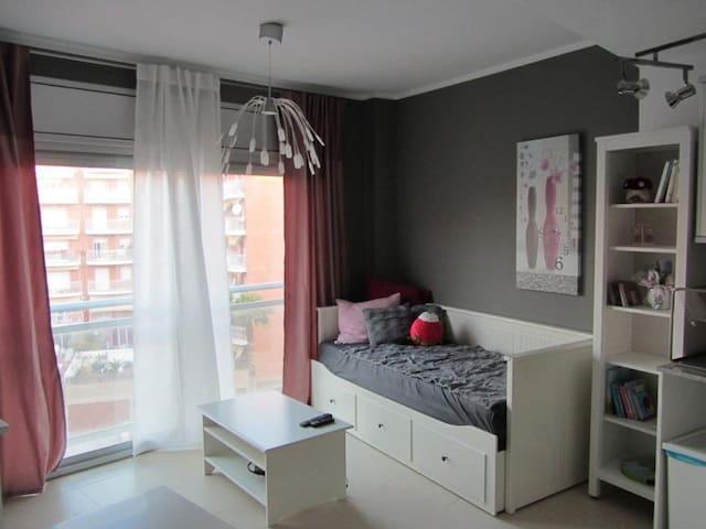 Sofá para dormir en Reus - Reus - Apartamento