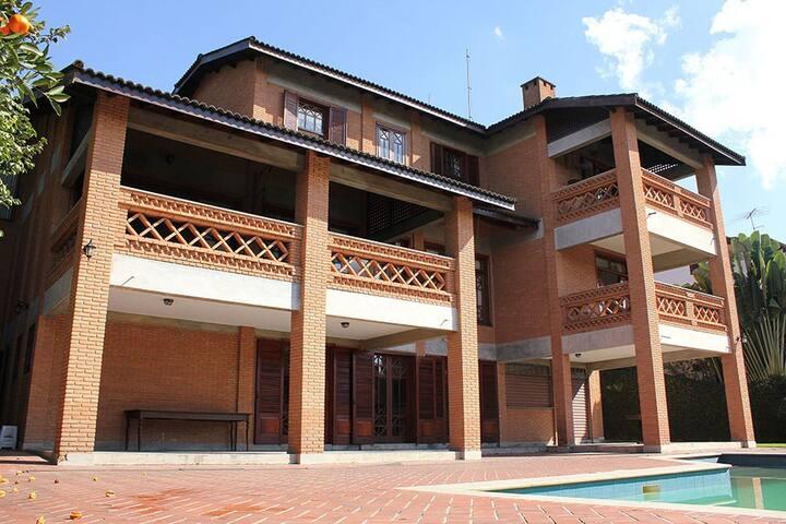 Aconchegante casa na Granja Viana . - Carapicuíba - Appartement en résidence