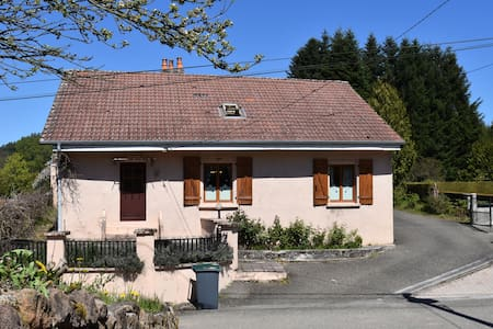 Spacious Holiday Home with Sauna in Celles-sur-Plaine