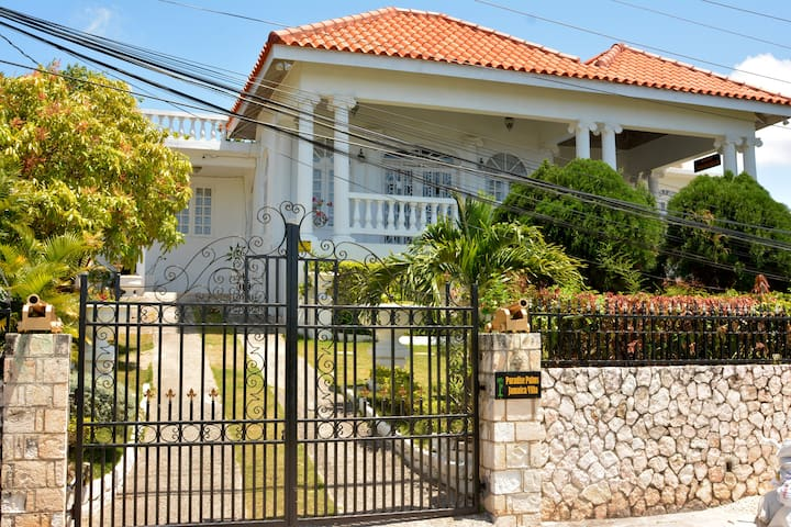 Paradise Palms Jamaica Studio (Montego Bay)