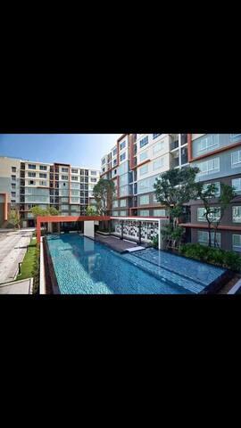 Phuket Multi-unit building