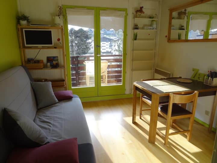 Small flat close to ski slopes and hiking routes.