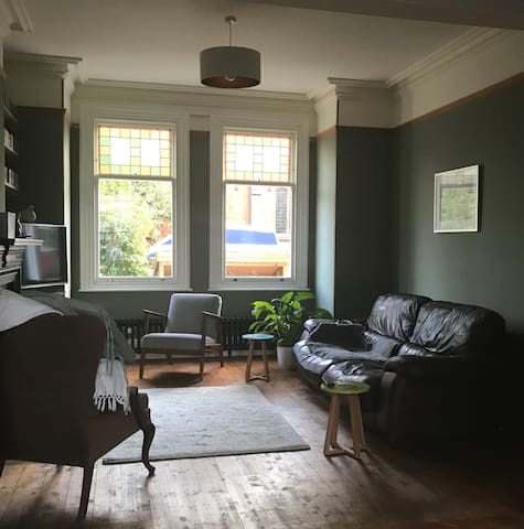 Private double room in a Victorian townhouse