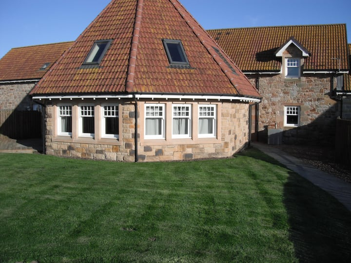 THE ROUNDAL luxury farm steadings CRAIL ST ANDREWS