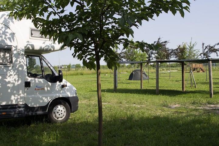 Agricampeggio: piazzola per CAMPER