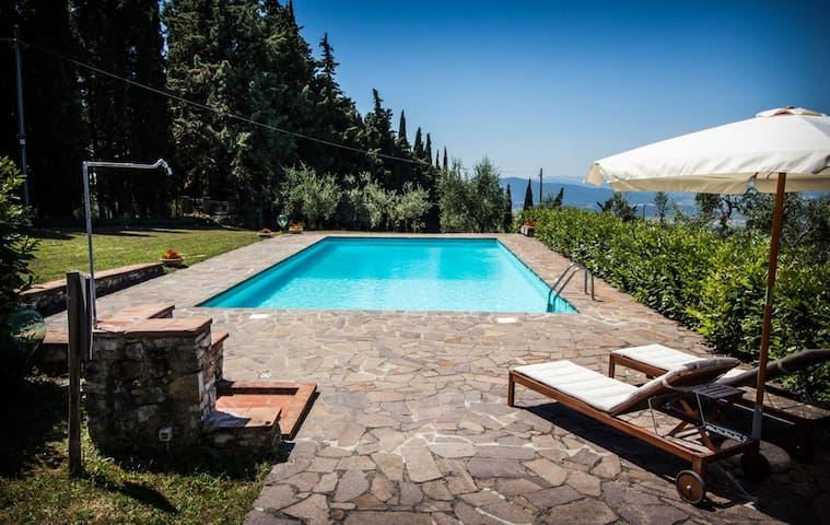 Letto A Castello Toscana.Airbnb Radda In Chianti Vacation Rentals Places To Stay