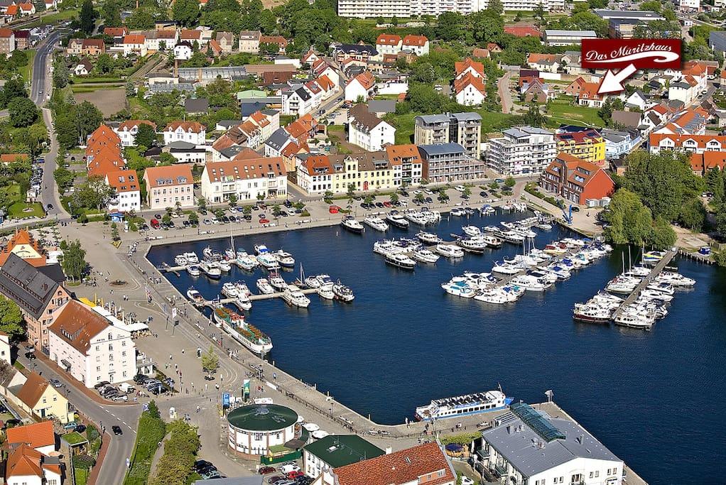 Der Stadthafen mit Markierung unseres Hauses